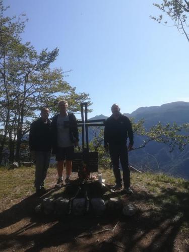 Aufstellung Kreuz in Südtirol 2019