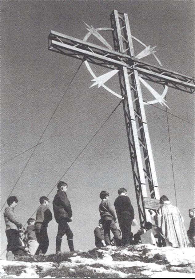 Einweihung des Gipfelkreuzes 1964
